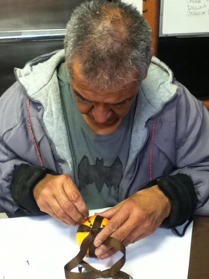 Making a pomander